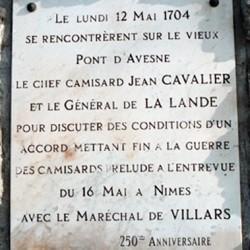 Plaque rappelant l'entrevue en 1704 entre le chef camisard Jean Cavalier et le général de La Lande