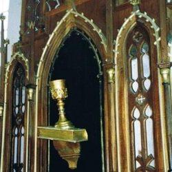 Symbole de l'Unité des Frères - Le calice sur la Bible (église de Velkà Lhota)