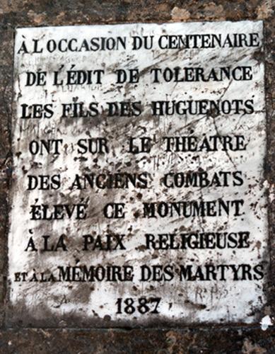 Plaque commémorant le premier centenaire de l'édit de Tolérance de 1787.