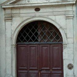 Nîmes (30), porte de la Calade