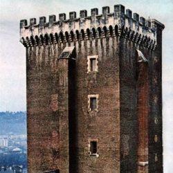 Pau (64), donjon du château