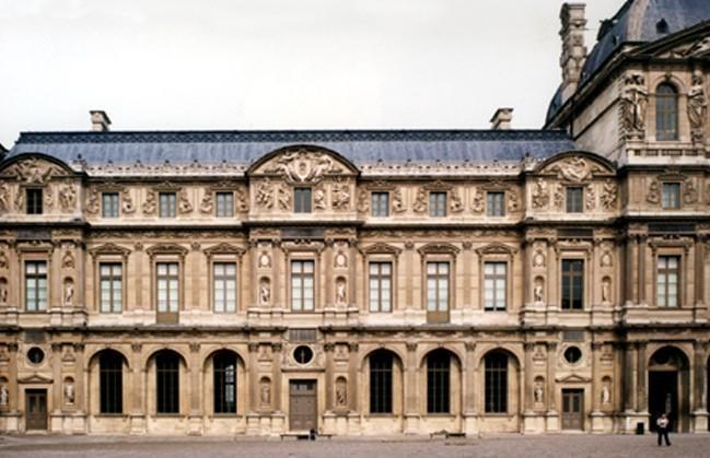 Paris, le Louvre, angle sud-ouest de la cour carrée (75)