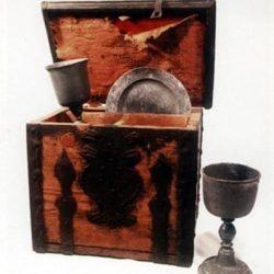 Plat et coupes de communion portables (XVIII<sup>e</sup> s.)