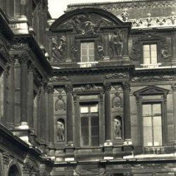 Paris, Cour carrée du Louvre, sculptures de Jean Goujon (c.1510-1567)