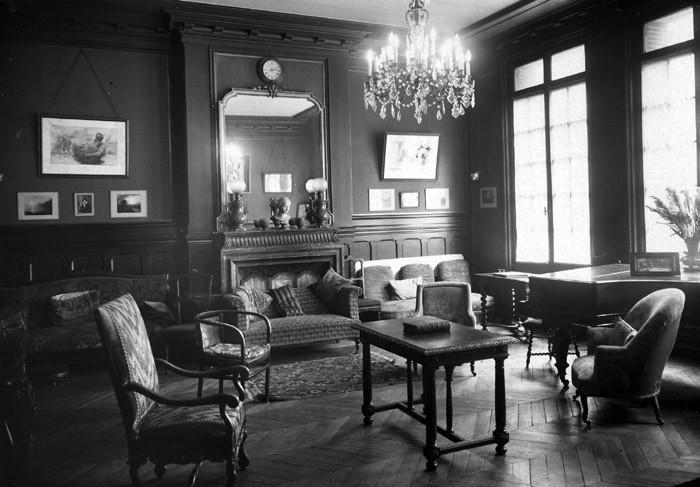 Foyer Jeune Salon De Provence : Les unions chrétiennes de jeunes filles ucjf musée