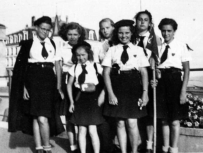 Scoutisme féminin, un clan d'éclaireuses unionistes