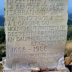 Mémorial des petits prophètes, au pied des falaises de la forêt de Saou (Drôme)