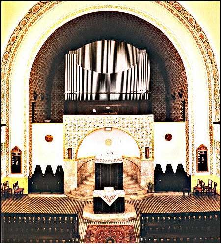 Intérieur de l'église réformée de Budapest (Hongrie)