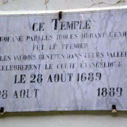Inscription sur l'ancien temple de Prali Val Germanisca, transformé en musée