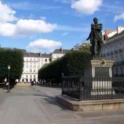 1280px-Cours_Cambronne