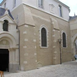<i>Vue extérieure du temple d'Angers</I>